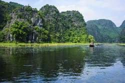 Exóticas Vietnam y Camboya - Salida 15 de Mayo oferta hotel en Destinia.com
