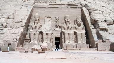 EGIPTO: CAIRO Y CRUCERO POR EL NILO CON 10 VISITAS + ABU SIMBEL      -                     Abu Simbel, Asuán, Colosos de Memnón, Edfu, El Cairo, Gran Esfinge de Guiza, Kom Ombo, Luxor, Necrópolis de Tebas, Pirámide de Keops                     Pirámide de Micerino, Templo Funerario de Hatshepsut, Templo de Horus, Templo de Kom Ombo, Templo de Luxor, Templo de Philae, Templo del Valle de Kefrén, Templos de Karnak, Valle de Los Reyes, Nilo