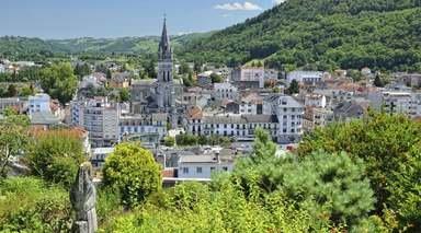 ESPAÑA, ANDORRA Y FRANCIA      -                     Andorra la Vella, Huesca, Ordesa, Pirineo Aragonés, San Juan de la Peña, Santa Cruz de la Serós                     Torla, Ordino, Santuario de Meritxell, Jaca, Lourdes