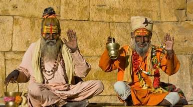 COLORES DE INDIA ¡REGALAMOS LA MEDIA PENSIÓN!      -                     Amber, Fatehpur Sikri, Fuerte Amber, Fuerte Rojo, Taj Mahal                     Nueva Delhi, Agra, Jaipur, Abhaneri, Museo Albert Hall