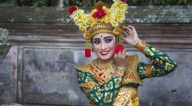 SINFONÍA BALINESA CON EXCURSIONES       -                     Nusa Dua, Bali, Tanah Lot, Templo de Tanah Lot                     Bedugul, Pura Besakih, Templo Real de Mengwi