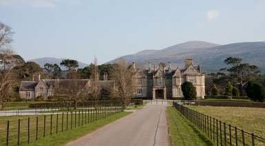 IRLANDA A SU AIRE      -                     Acantilados de Moher, Cashel, Clonmacnois, Dublín                     Galway, Kerry, Limerick, Parque Nacional Connemara